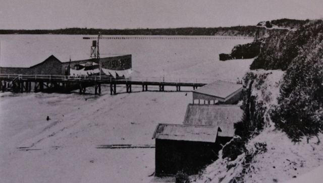 Old Sea Baths and Mentone Pier in the distance